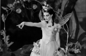 Vivien-Leigh-as-Titania-in-A-Midsummer-Nights-Dream-700x455