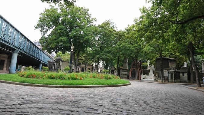Montmartre Cemetery.jpg